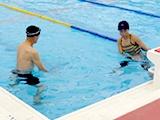 腰痛予防水中運動